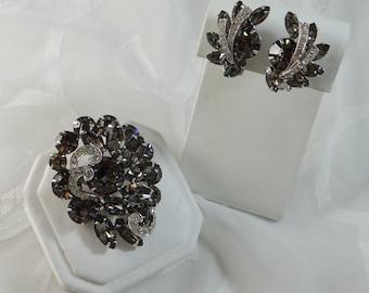 1960s Vintage Jewelry Weiss Black Diamonds Brooch Rhodium Plated