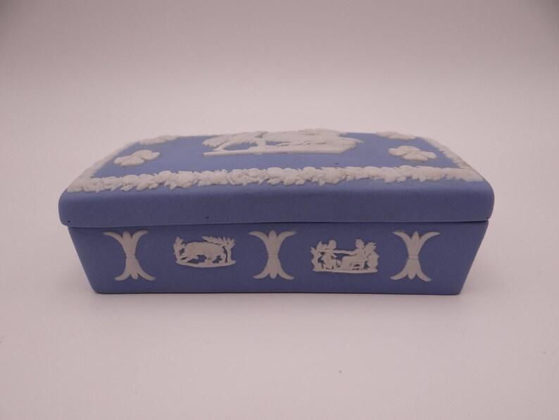 Wedgwood Green Jasperware English Bone China jewellery box