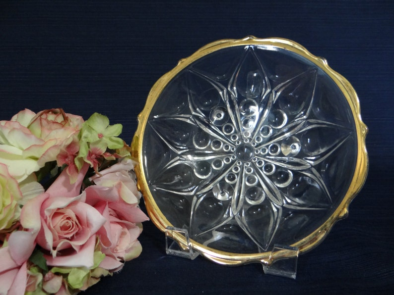 Beautiful glass bowl with gold trim edge Lovely