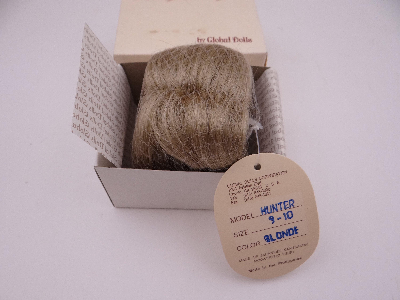 Global Dolls Hunter Size 9-10 Blonde Doll Wig - NIB - New in Box
