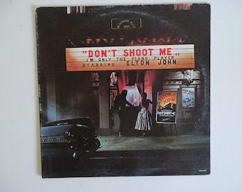 Plays Well Vintage US Release Elton John MCA-3005 Vinyl LP Album - Don't Shoot Me I'M only the Piano Player - Pop Rock Classic Rock