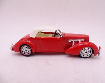 Vintage Lesney Matchbox Y-18 Models of Yesteryear 1937 Cord Model 812 Supercharged Y-18 Red Die Cast Car