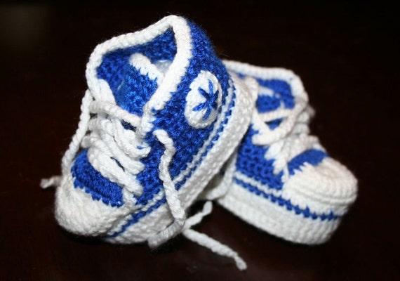 Häkeln Sie Baby Blaue Und Weiße Socken Baby Chucks Etsy