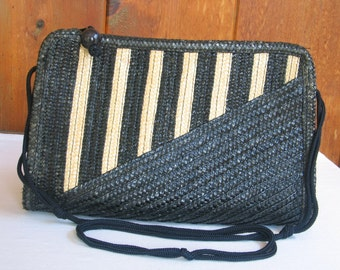 a61717cf7e64 Clearance Vintage 1980s Black Natural Handmade Straw Shoulder Bag Hong Kong  large straw purse monochromatic in excellent vintage condition.