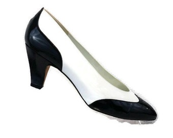59c8fc81874 Liz Claiborn Black White Leather - Patent Leather Spectator Pumps Career  Heels made in Spain Heels Women s 8 W excellent vintage condition