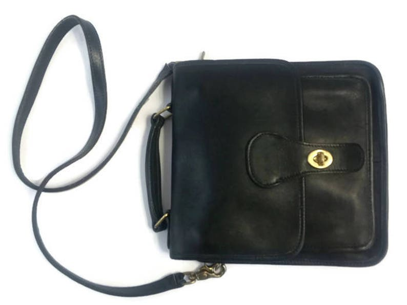 650e23805b Vintage COACH Black Leather WILLIS STATION 5130 Cross Body