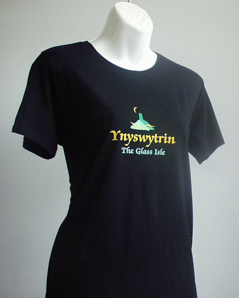 Ynyswytrin and the Glastonbury Tor-Women's Black image 0