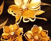 Vintage Matched Set Gold Tone Flower Earrings & Brooch w Aurora Crystal 1970's 3-D Effect Floral Demi Parure Set
