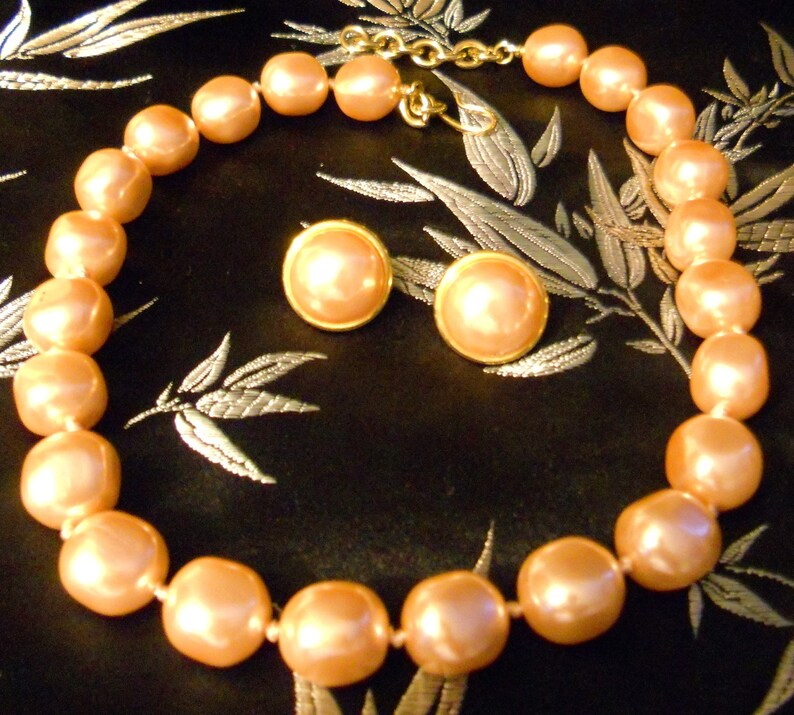 Vintage Signed Monet Jewelry Set Summer Peach for Bridal or Special Occasion Lovely Retro Monet Jumbo Peach Pearl Necklace w Earrings