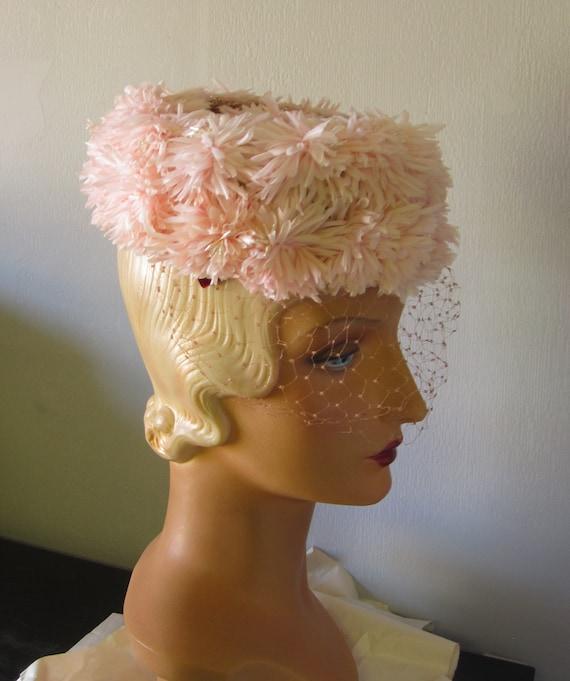 Sondra - 1950's Pastel Pink Floral Hat with Veili… - image 2