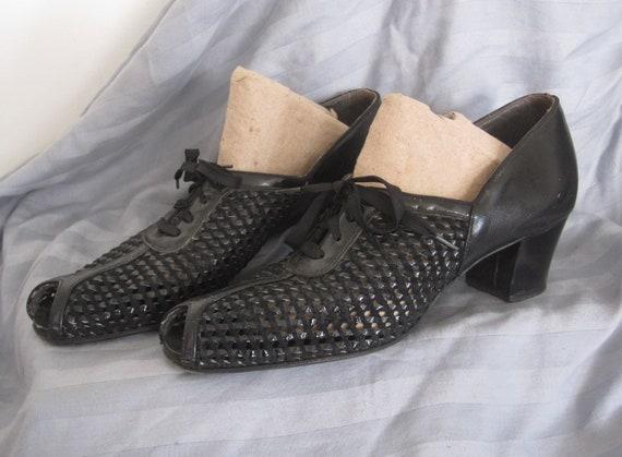 Vintage 1940's Black Peep Toe Oxfords - Size 9