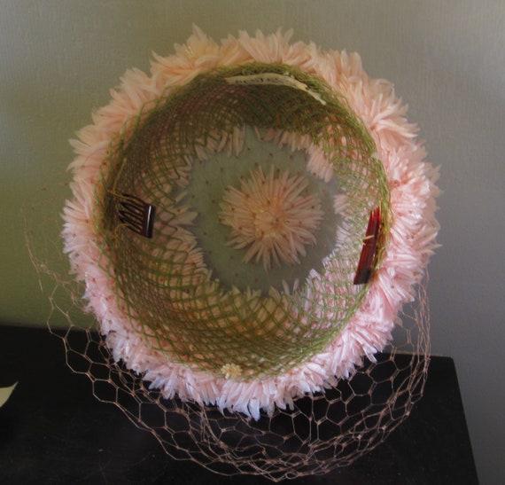 Sondra - 1950's Pastel Pink Floral Hat with Veili… - image 6