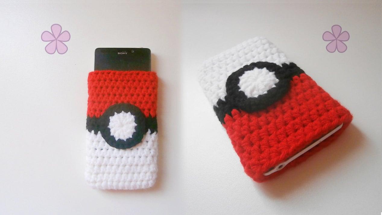 Poké Ball inspired cell phone / tablet cozy crochet pattern.   Etsy