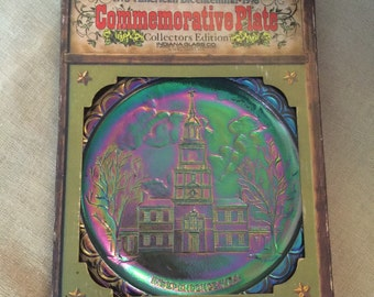 American Bicentennial Commemorative  Independence Hall Blue Carnival Glass Plate#1962 in Box