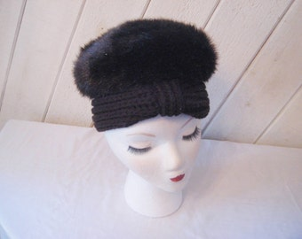 7345f1abe7cb7 Brown fake fur hat