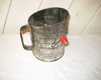 Galvanized metal retro sifter, red wood handle, 50s 60s sifter, 5 cups, Bromwell's measuring sifter, made in USA, flour sifter