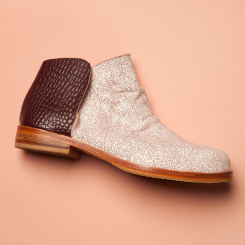 Botineta Rose. Handmade leather boots in bordeaux and light  b9bebeda9598