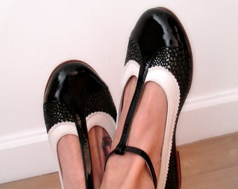 Ona Charol - Black Patent Leather & White Mary Janes Leather Shoes. Handmade Women Flats Shoes by Quiero June