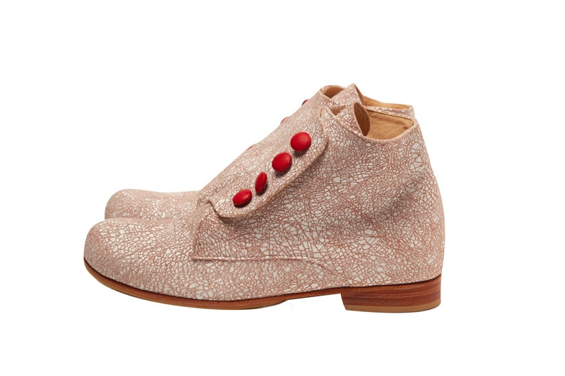 Bootie Crash Pink. Leather boots in light pink white. Handmade  e8451cb5b310