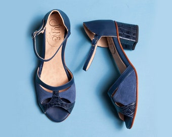 Blue medium heel sandals in suede, crocco and leather. Handmade shoes. Effortless and comfortable shoes. Romance Blue (mh)