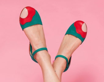 Lorna Green. Green suede woman shoes. To dance lindy hop, swing or wear. Made in Argentina