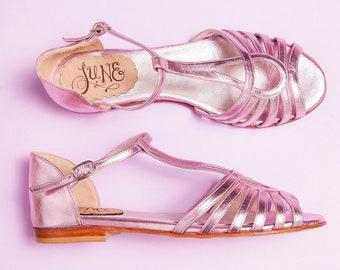 Bianca Light Pink - Flat sandal in metallic leather pink. Handmade in Argentina - Free shipping