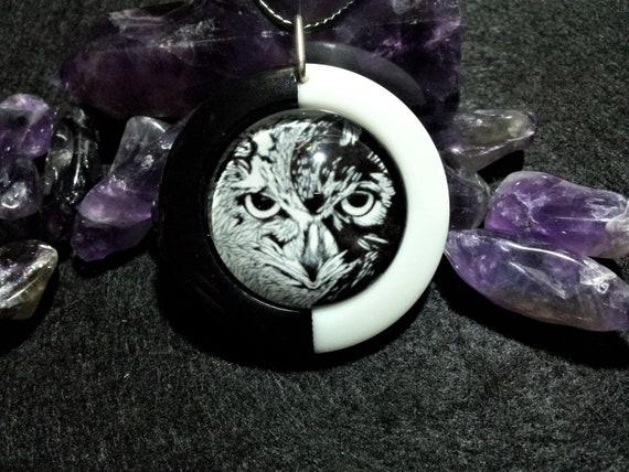 Yin Yang Owl Pendant in black and white resin , Free Shipping Worldwide, Taosim, Spiritual Jewelry,symbolic,animal totem necklace