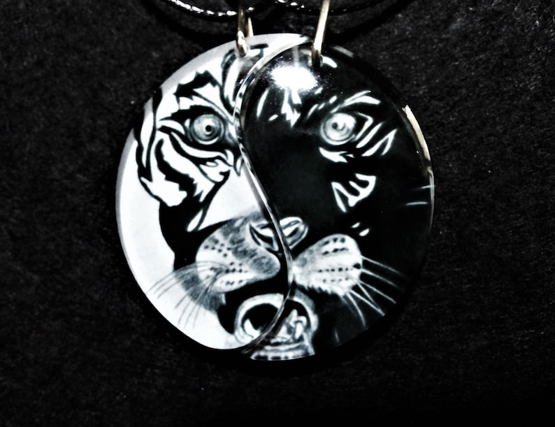 Cojines Tiger.Yin Yang Tiger Friendship Necklaces Best Friends Love Necklaces Anniversary Jewelry Friendship Jewelry Taoism Jewelry Spiritual Tiger