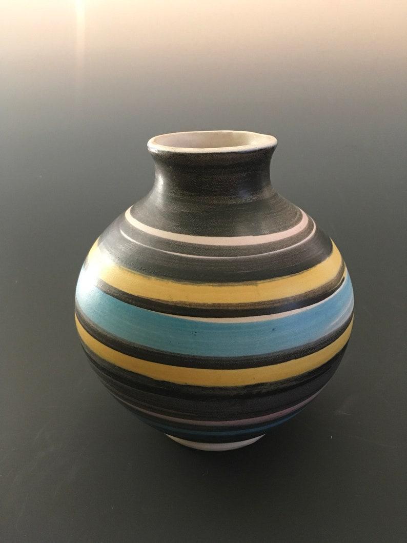 1971 Bennett Welsh Pacific Stoneware Ribbon Glazed Pot