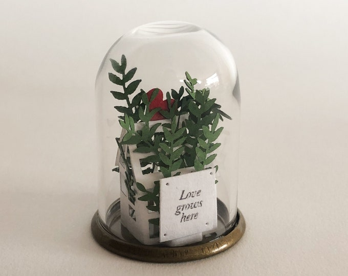 Greenhouse miniature paper ornament with sign