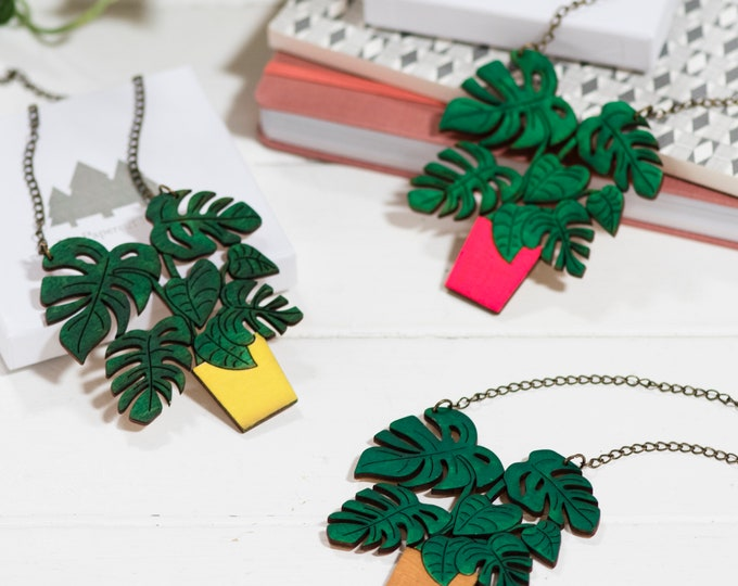 Monstera wooden plant necklace, botanical statement necklace