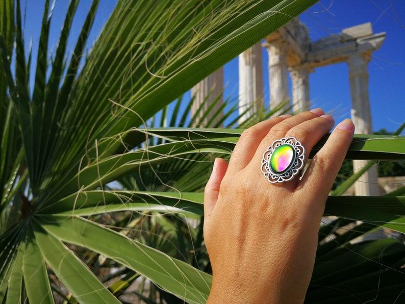 Adjustable Mood Ring 18x13 mm Brass Venus of the 7 Lands