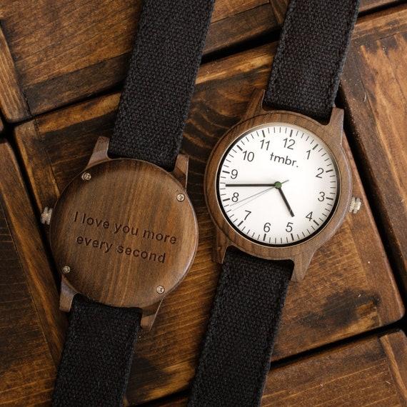 montre en bois montre pour homme avec gravure gravure sur. Black Bedroom Furniture Sets. Home Design Ideas