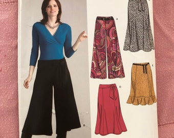 New Look pattern 6626, gaucho pants and flared skirt, EASY Size A 10 - 22