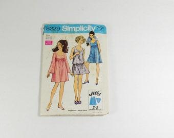 Simplicity 8229 - Vintage 1969 Jiffy Dress Pattern in Size 12