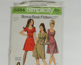 Simplicity 8884 - Vintage 1970 Pattern - Misses Bonus Basic Princess Dress with Two Necklines - Size 14