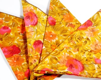 Midcentury Cloth Napkin Set of 4 - Abstract Floral Print