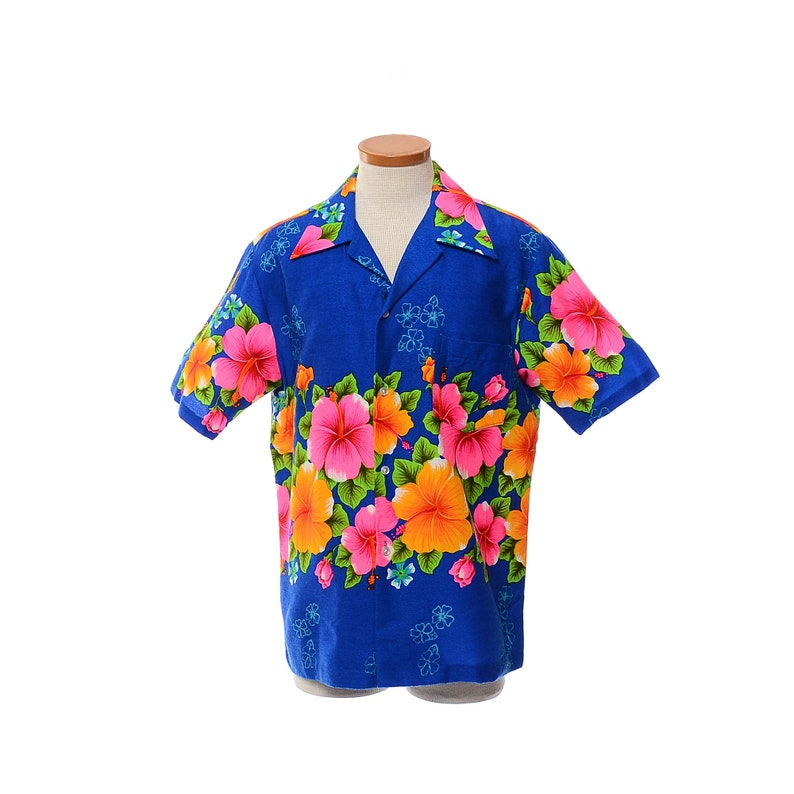 ca33be33 Vintage 60s Barkcloth Hawaiian Floral Shirt Pomare Tiki Party   Etsy
