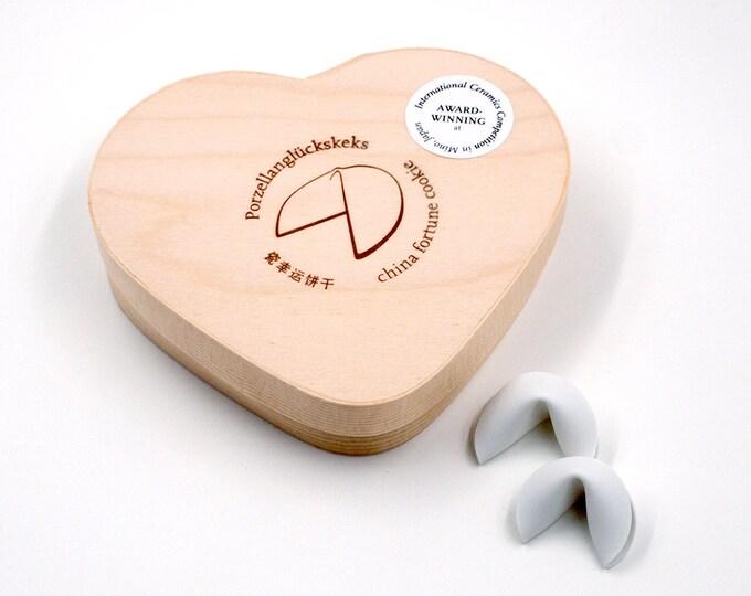 PORZELLAN-GLÜCKSKEKSE for wedding 2 pcs. with heart gift box / mini version