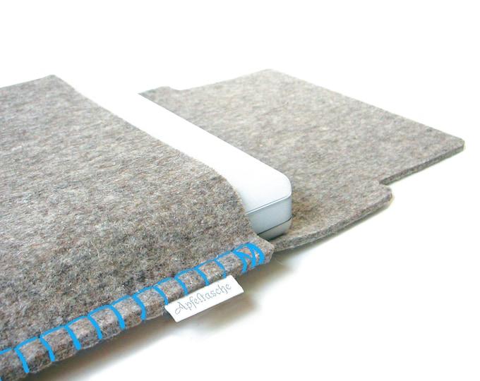 Notebook bag APFELTASCHE for all Mac Books / 100% wool felt, seam: cyan