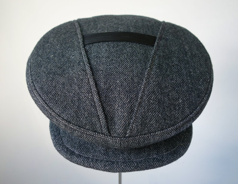 The SAVOY  Novelty 1920s-design Flat Cap with V-Top Vintage image 0