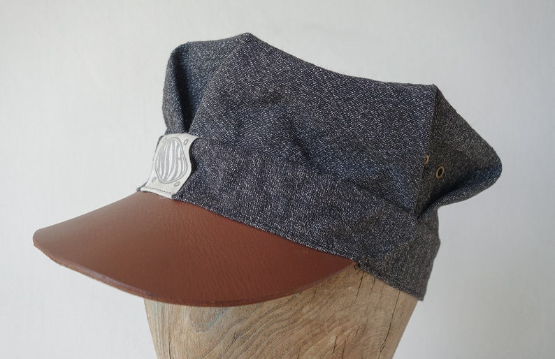 New Edwardian Style Men's Hats 1900-1920 The SWITCHMAN 1910s-pattern Train / Engineers Cap in c.1940s Salt and Pepper Workwear Selvedge Cotton & Leather Visor - Size 7 1/8