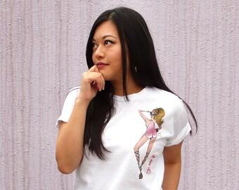 Miss Peach Bun - Art Graphics Tee Shirt / White or Pink