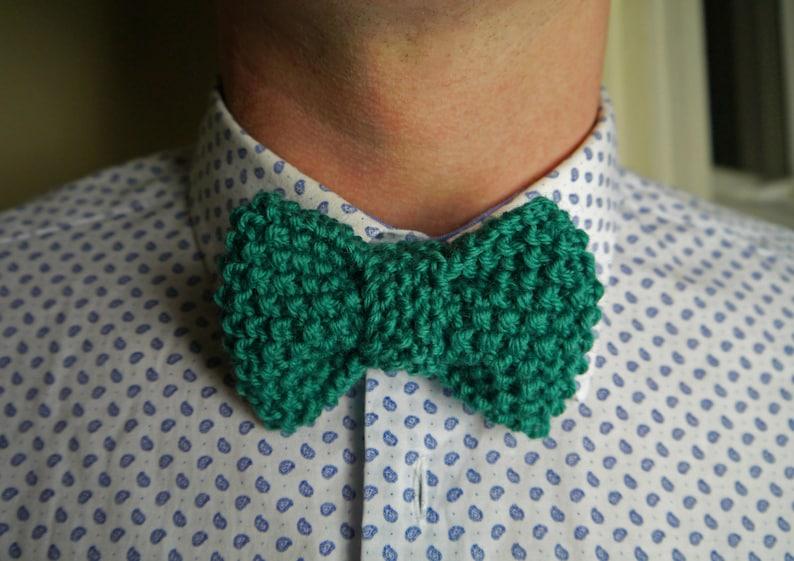 Dapper Vintage Bow Tie Knitting Pattern image 0