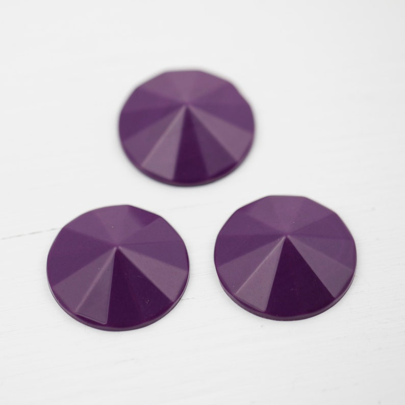 Faceted Cone 8 Cabs Vintage Acrylic Round Cabochons Deep Grape Purple 28mm
