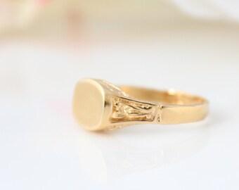 Personalized monogram ring • Gold signet ring • Custom gold ring • Initial ring • Name ring • engraved ring