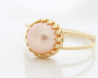 Pink Pearl Ring • Gold ring set with a pink freshwater pearl • Bridal jewelry