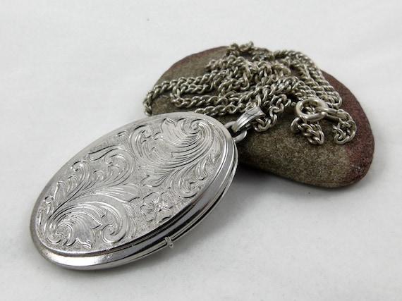 Locket Necklace, Vintage Locket, Sterling Silver L