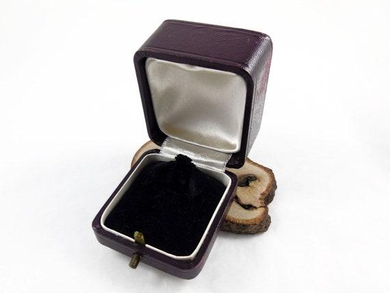 Ring Box, Leather Ring Box, Engagement Ring Box, W