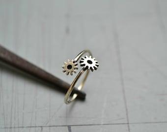 Steampunk Gear Ring, Industrial Steampunk Jewelry, Metalwork Gear 925 Sterling Silver Biker Ring